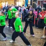 Edzia tańczy