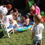 w basenie impreza